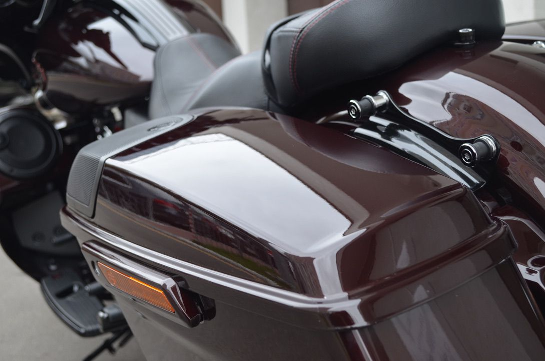 Оклейка защитной пленки на мотоцикл
